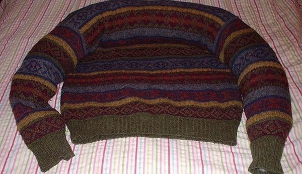 лежанка из свитера-4